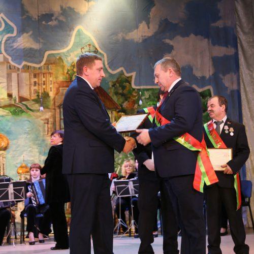 По итогам 2019 года заместителю директора Шкловского УКП «Жилкомхоз» присвоено звание «Человек года»